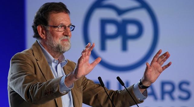 Rajoy, Katalonya yönetimindeki depremin ardından ilk kez Barselonada