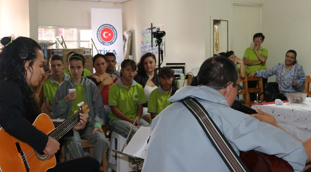 TİKA, Kolombiyadaki engelli çocukların yüzünü güldürdü