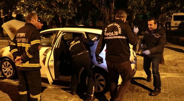 Polisin park halindeki otomobili kundaklandı