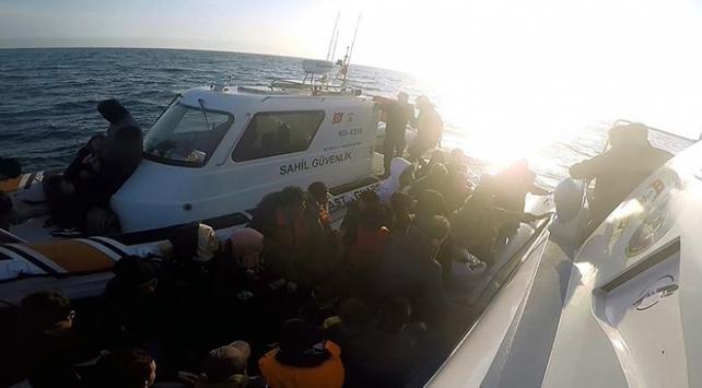 Midilliye geçmeye çalışan 99 Suriyeli yakalandı
