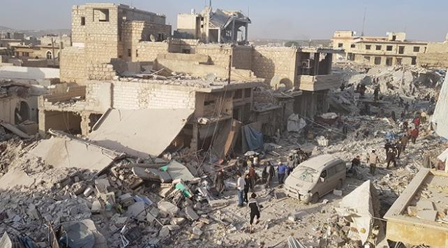 Halepte pazar yeri bombalandı: 53 ölü