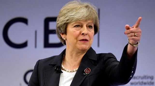Brexit süreci Mayin koltuğunu sallıyor