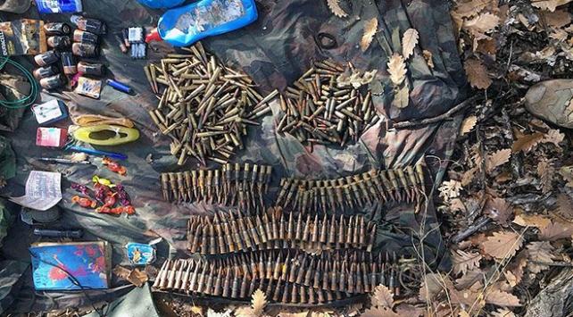 Teröristlere ait çok sayıda mühimmat ele geçirildi