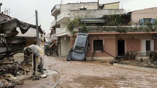 Yunanistanda sel felaketi: Olağanüstü hal ilan edildi