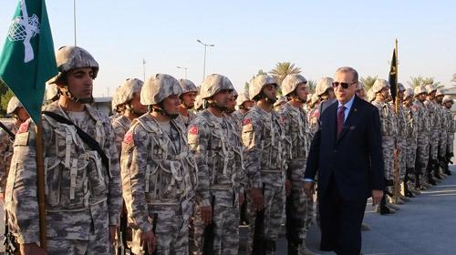 Cumhurbaşkanı Katar'daki Türk üssünü ziyaret etti