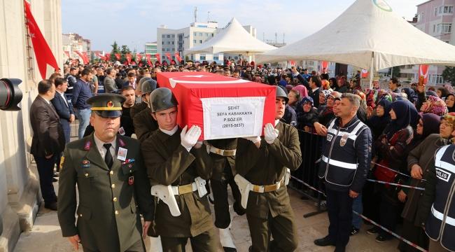 Şehit askerler son yolculuklarına uğurlandı