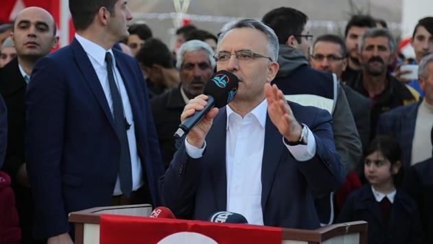 Türkiyeyi lider ülke yapmak için büyük yatırımlara imza atıyoruz