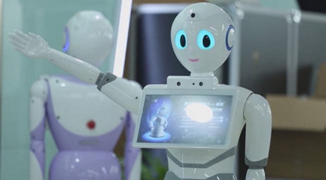Bu kez tıp sınavına giren bir robot oldu