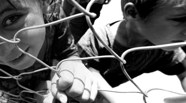 Dünya genelinde kriz ortamlarında en ağır bedeli çocuklar ödüyor