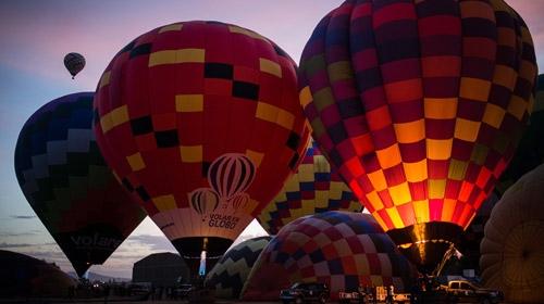 23 ülkeden 200 balon gökyüzünde dans etti