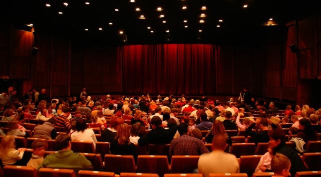 İstanbulda 14 oyun tiyatroseverlerle buluşacak