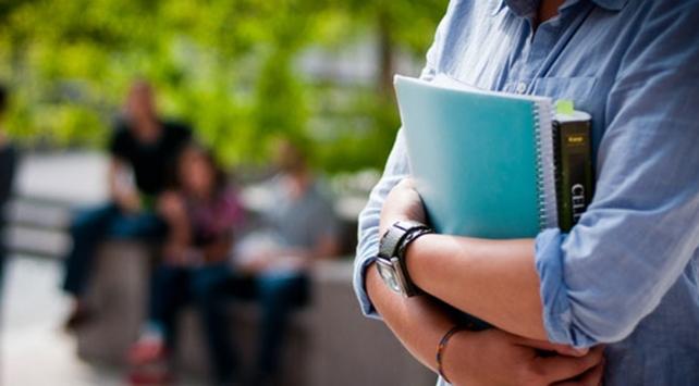 """Burs ve kredi alan öğrencilere """"taahhütname"""" uyarısı"""