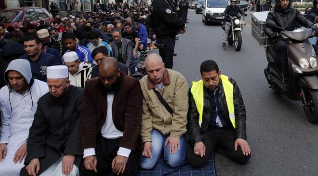 Fransadaki namaz gerginliği tırmanıyor