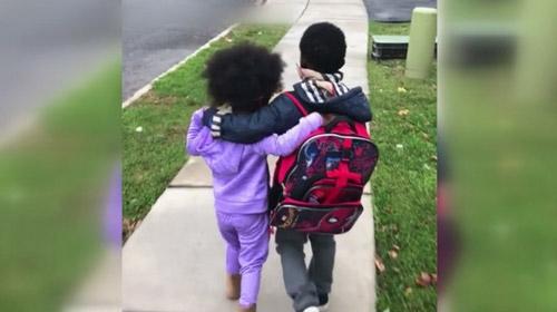 Ağabey-kardeşin sevgi dolu anları yürekleri ısıttı