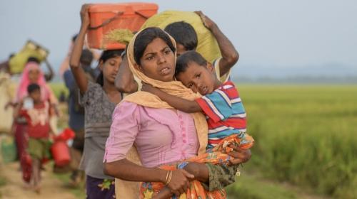 Akdağ: Bangladeşte 25 konteyner ile 125 bin kişiye hizmet vereceğiz