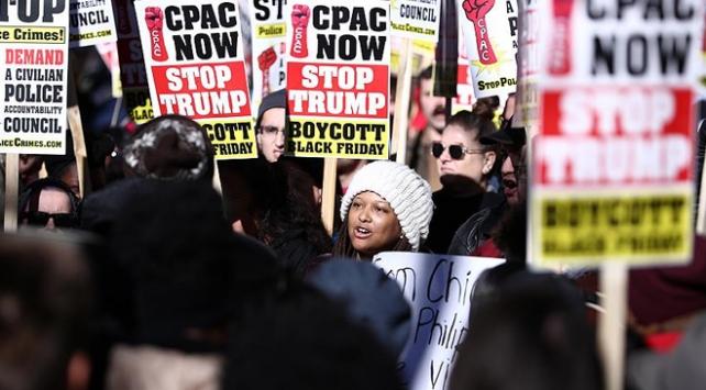 ABDnin Chicago kentinde Kara Cuma protestosu