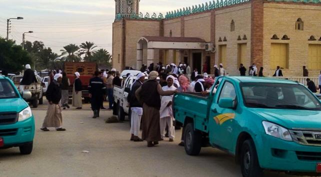 Mısırda camiye saldıran teröristlerden bazıları öldürüldü