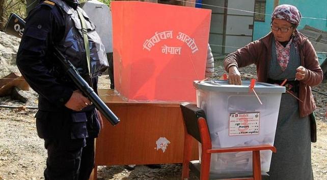 Nepalde, 11 yıl sonra ilk kez genel seçim yapıldı