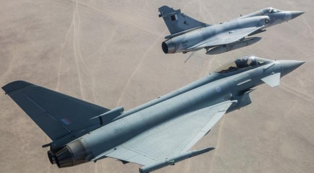 Katar ve İngiltere ortak askeri tatbikat düzenledi