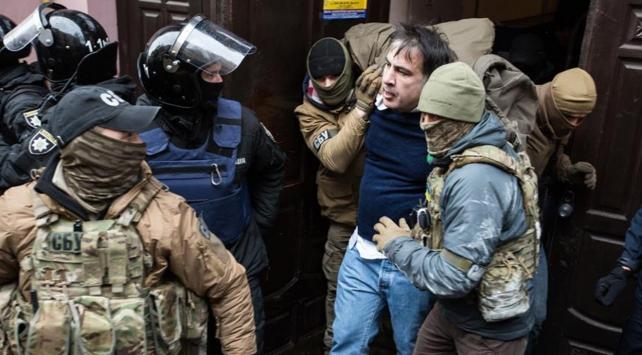 Taraftarları Saakaşvilinin serbest kalmasını sağladı