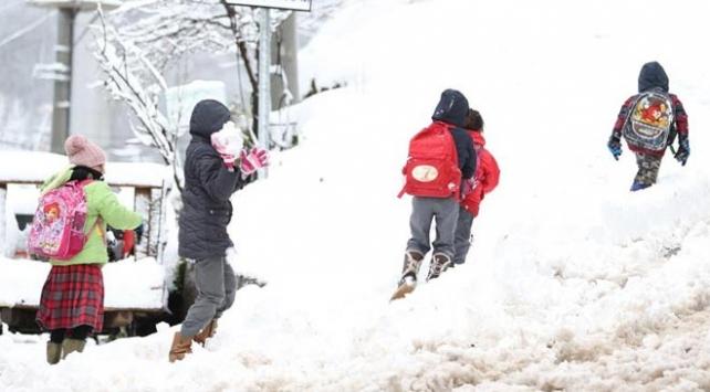 Düzcede eğitime bir günlük kar tatili