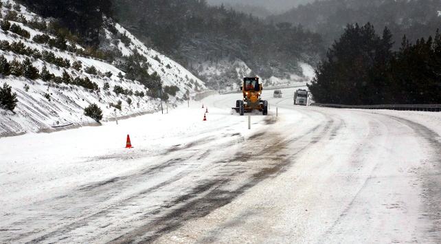 Denizli-Antalya karayolu yeniden trafiğe açıldı