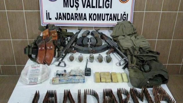 Muşta terör örgütü PKKya ait mühimmat ele geçirildi