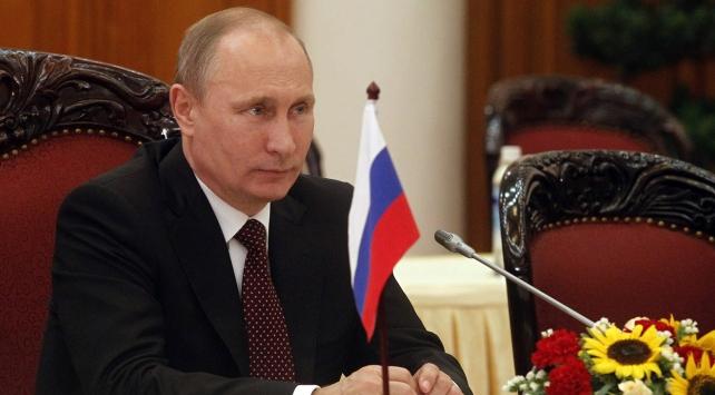 Putin: 2018de düzenlenecek devlet başkanı seçimlerinde aday olacağım