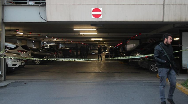 Atatürk Havalimanında bir şüpheli 4. kattan aşağıya atladı