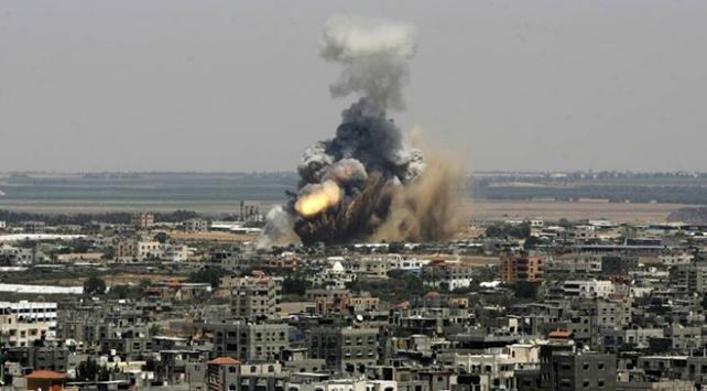 İsrailden Gazzeye savaş uçağı ve tanklarla saldırı
