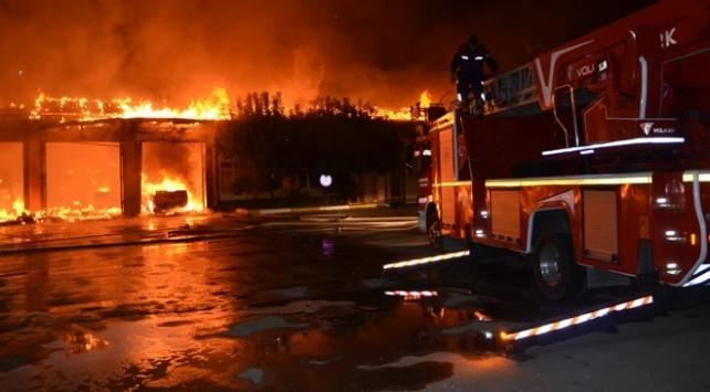 Adanada Karayolları yerleşkesinde yangın