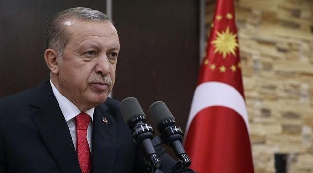 Cumhurbaşkanı Erdoğan Batı Trakyalı Türklerle kucaklaştı