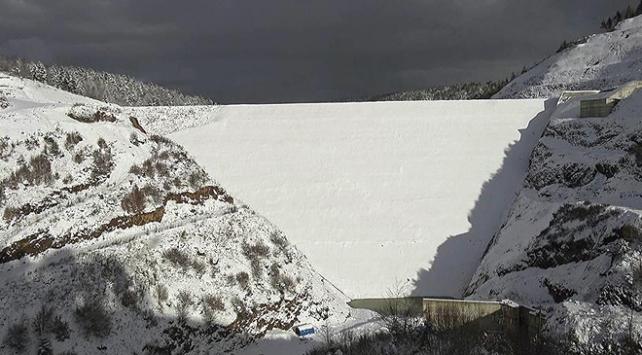 Akçay Barajının 75 metrelik gövdesi tamamlandı