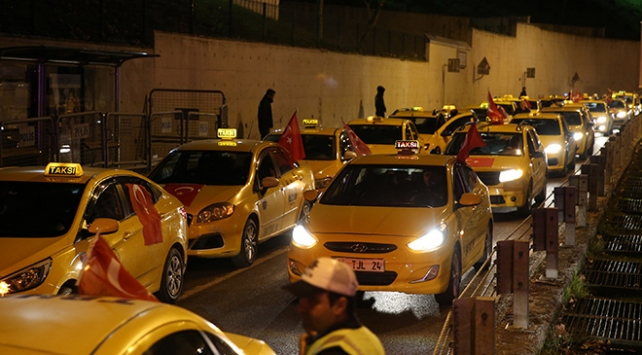 İstanbullu taksiciler ABDnin Kudüs kararını protesto etti
