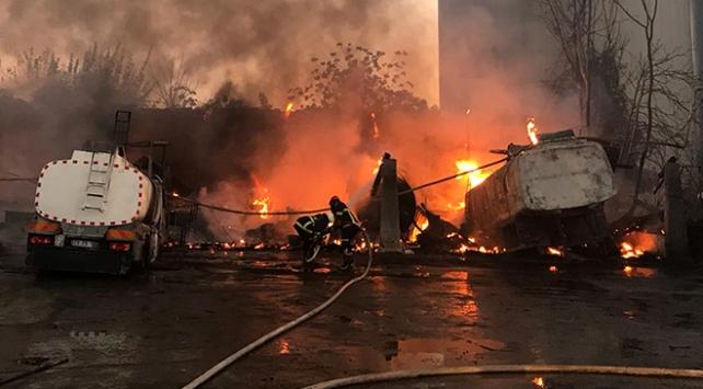Adanada fabrika yangını