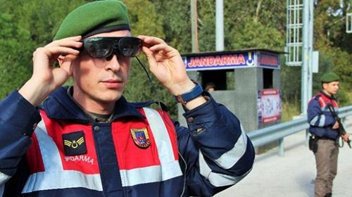 """Jandarma """"Tak-bul"""" ile suçluların peşinde"""