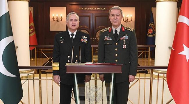 Genelkurmay Başkanı Akar, Pakistan Deniz Kuvvetleri Komutanını kabul etti