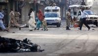 Pakistanda 3 paramilis hayatını kaybetti