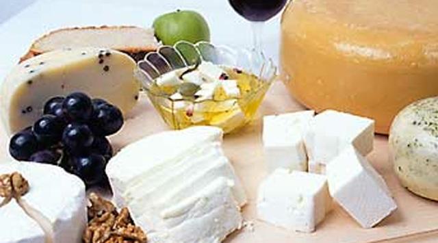 İtalyada Deprem Peynire Hücum Ettirdi