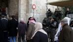 İsrail, Kudüsün ana giriş kapısına bariyerler koydu