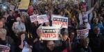 Tel Avivde binlerce kişi Netanyahuyu protesto için sokaklara döküldü