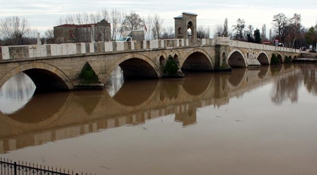 Yağışlar Tunca Nehrinin debisini artırdı
