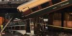 ABDde yolcu treni raydan çıkarak karayoluna düştü