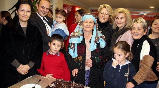 İlk doğum gününü 100. yaşında kutladı