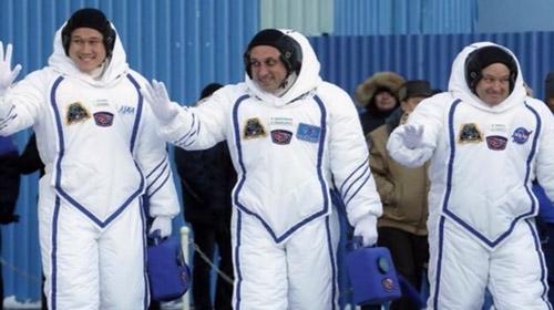 Uluslararası Uzay İstasyonuna 3 yeni astronot gönderildi