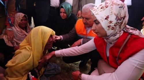 Başbakan Binali Yıldırım, Arakanlı Müslümanları ziyaret etti