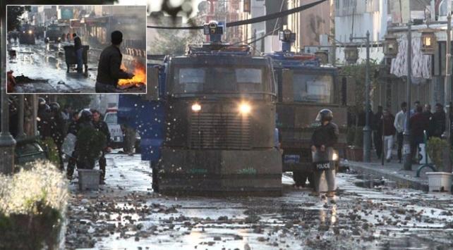 IKBYdeki gösteriler sonrası iki parti hükümetten çekildi