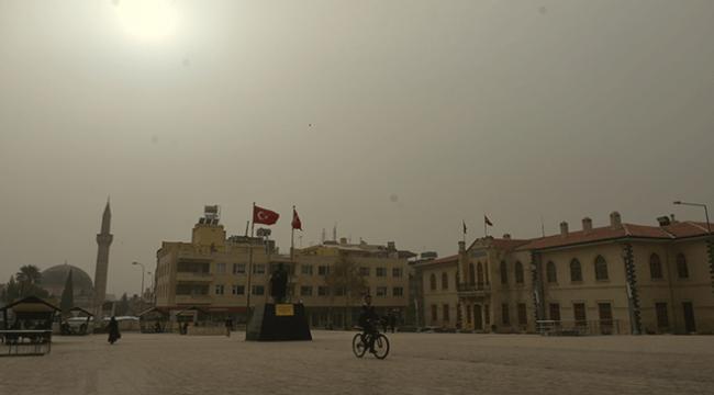 Güneydoğu Anadolu Bölgesindeki toz bulutu yaşamı olumsuz etkiliyor