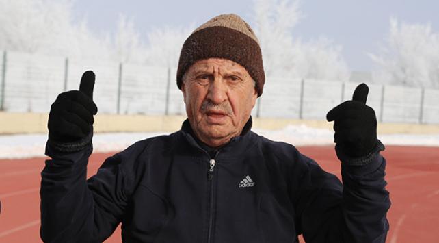 79 yaşındaki Ekrem Şenin maraton azmi