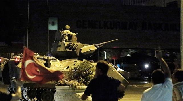 Darbeci komutan tanklara katliam emri vermiş